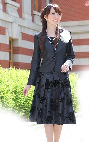 卒業式用母親スーツ2