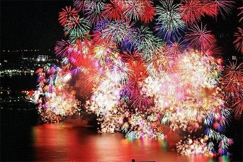 熱海花火大会2017 日程と場所と屋台