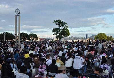 みなと神戸花火大会の混雑状況