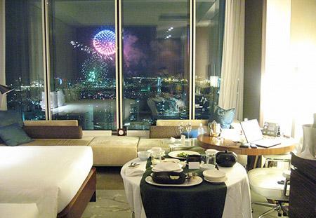 ホテルの部屋らから花火見物