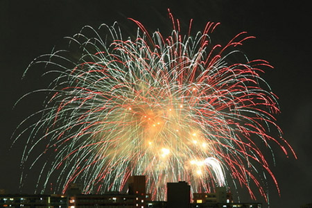 東京湾大華火祭はここがスゴイ