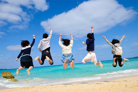 「夏休みだよ~どこかに連れてって~!」「旅行に行きたい~!」