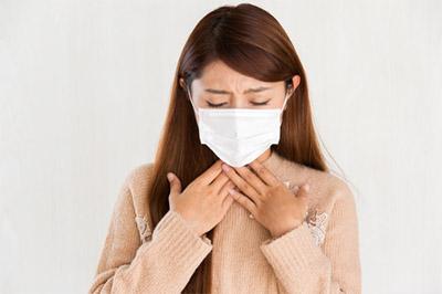 なんだか息苦しい!喉が狭い違和感で考えられる原因は?