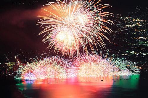 2020年8月15日(土) 19:00~(雨天決行)